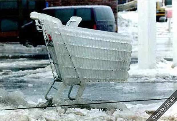 Befagyott bevásárlókocsi