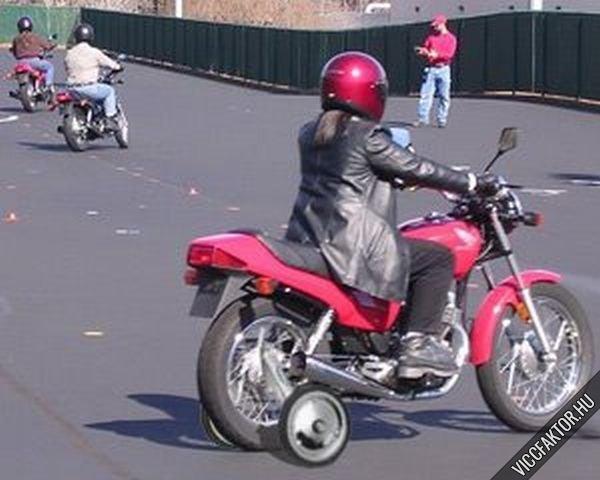 Női motoros