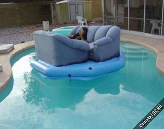 Úszó kanapé