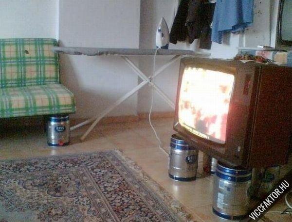Tévé-állvány
