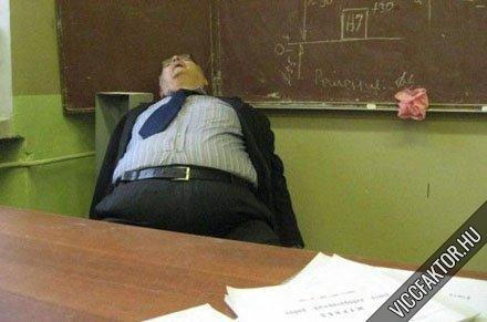 Tanár úr, kérem!